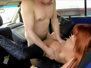Hooker fucked in a car