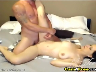 Awesome amateur couple fucking in the webcam! Don't miss this horny hot babe...