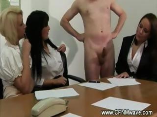 Job interview ends up in a handjob