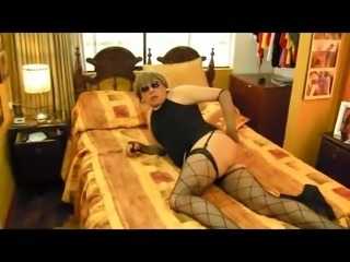 Horny crossdresser screwed bu dudes