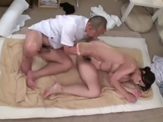 Delivery Oil Massage Young Wife MAO (Censored)