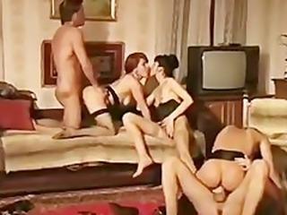 La veuve de buda fesse  retro movie