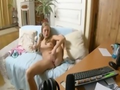 20yo amateur girl fingering for webcam