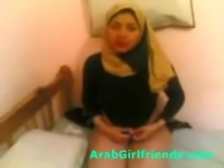 Dude fucks films and fuck Arab gf in naughty homemade free
