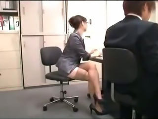 Office Lady With Glasses Getting Her Hairy Pussy Licked By Her Colleauge...