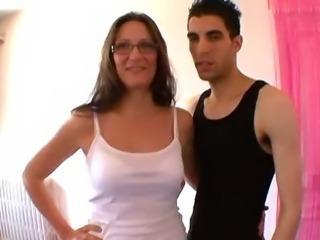 FRENCH amateur Mature ejac faciale sur les lunettes !