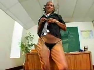 Giant Ass Ebony Teacher Sucks Cock In Detention