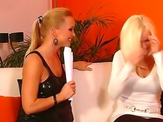 Experienced mature blonde whore Stacy Silver