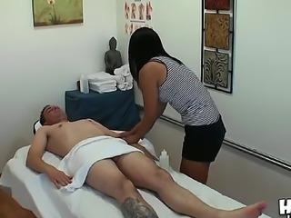 Lloyd Psexy got a perfect massage by Asian professional lady Yuki Mori