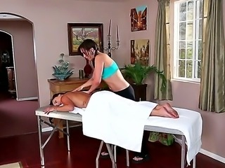 Sinn Sage likes a good massage done by strong hands of gorgeous Liza del Sierra