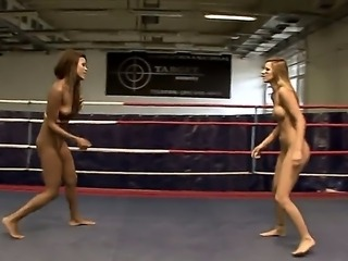 Nude lesbians Keisha Kane and Cindy Hope fight in the boxing ring and get hot...