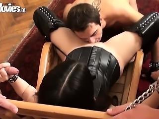 Oral Slaves