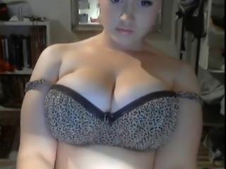 GREAT CURVY GIRL SHOWS OFF