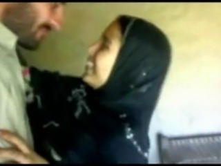 Afgan Hijab Girl Having Fun Whith BF