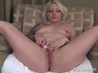 Tattooed amateur blonde girl Olivia vibrating her delicious pussy