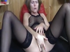 Brazen amateur milf loves being fisted in public