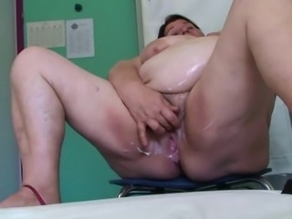 BBW granny plays with her pussy