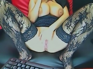 Busty brunette masturbates with finger live camshow