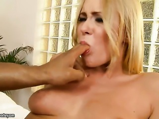 Blonde shows off her hot body as she gets her mouth drilled