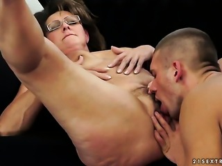 Redhead is in the mood for fucking