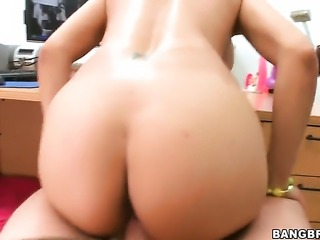 Latin Lacey Cruz with juicy bottom is fucking good at making men cum with her...