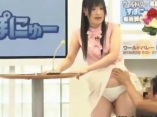 Japanese cutie fingered on tv
