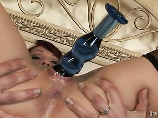 Nicki Hunter shows her love for wet spot fucking in steamy hardcoreaction...