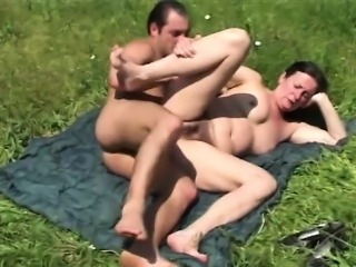 Ugly mature whore gets facial
