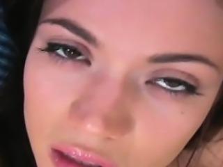 Sexy teaser drills her twat