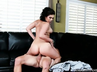 Asian London Keyes gets the hole between her legs drilled by Van Wylde