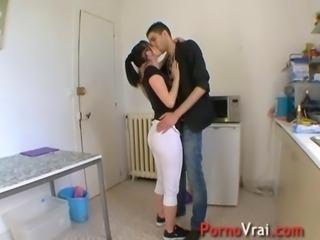 Lana adore baiser dans des lieux insolites ! French amateur