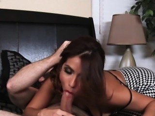 Lovely brunette Isabella De Santos ride cock