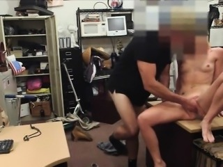 Blond slut sells her car and gives pawnkeeper a nice blowjob