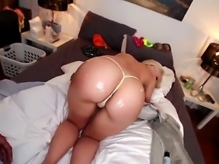 Bubble butt blonde Anikka Albrite is ready for action