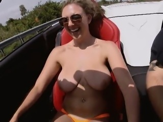 Butt naked and a gigantic tit chick Brooke Wylde in the car