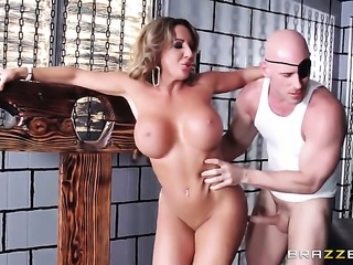 Johnny Sins makes his throbbing sausage disappear in passionate Richelle...