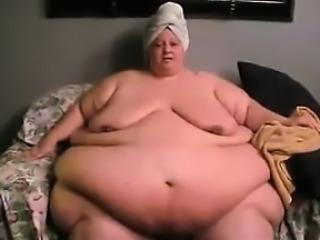 Very Big Woman Tries To Walk around
