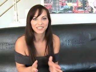 Hot girlfriend sperm in pussy
