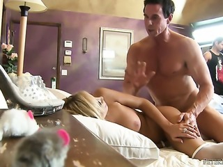 Peter North uses his stiff rod to make Juicy temptress Tasha Reign happy