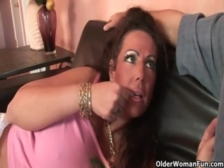 Mom gets fucked by thick cock free