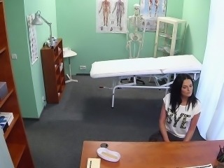 Black haired mom banged in fake hospital