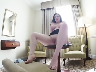 Harmony Reigns rammed by a dick in the hotel