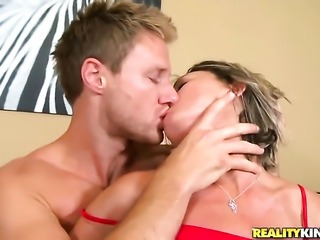 Blonde temptress makes dudes erect meat pole disappear in her mouth in sexual...