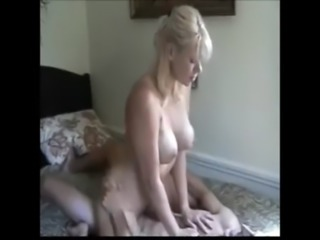 gorgeous blonde milf enjoying a ... free