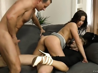Niki Sweet shows oral sex tricks to George Uhl with passion before anal fun