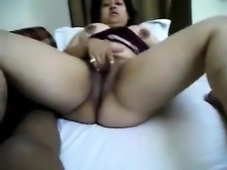 Indian fat divya bhabhi home made sex with fan man
