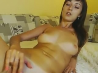 hot brunette playing in bed omegle