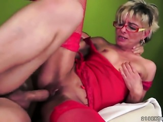 Blonde knows no limits when it comes to eating her fuck buddys man meat