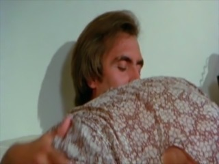 Hot Honey (1977)