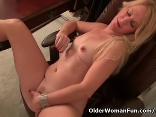 American milf Shelby stripping off at the office